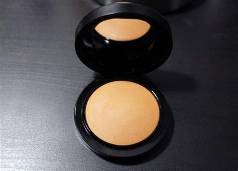 MAC Mineralize Skinfinish Natural Dark Compared To Deep