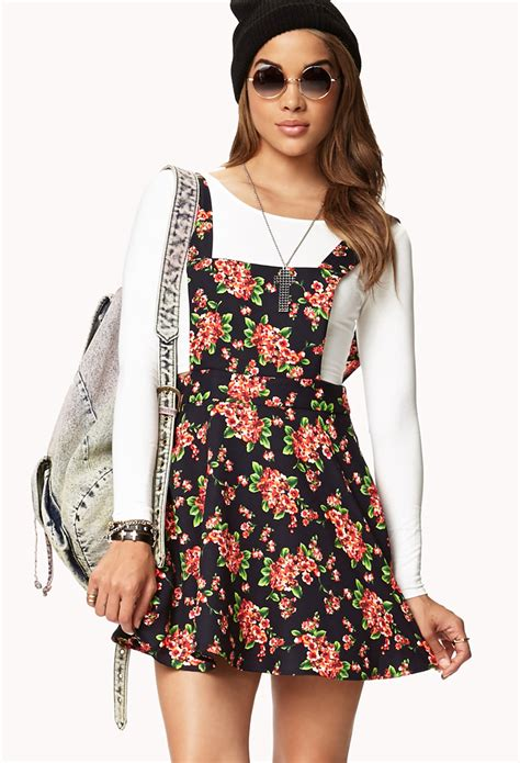 Forever 21 Sweet Floral Overall Dress in Navy/Coral (Blue