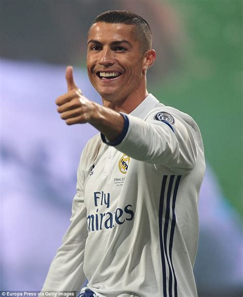 Cristiano Ronaldo 'welcomes the birth of twins' | Daily