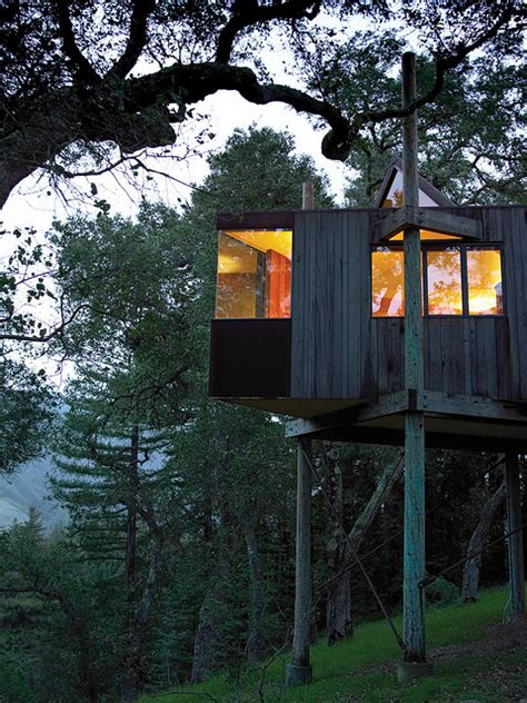 Tree house hotel in the US: Post Ranch Inn Treehouses