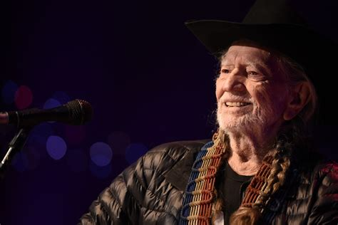 Willie Nelson Delivers Classic Set During 18th Austin City