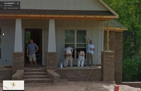 Mooning Construction Workers | Google Street View World